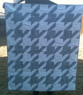 Houndstooth quilt for my BFF | by Daisy Spirits
