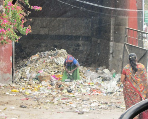 A rubbish collector in India | by Flora_AB