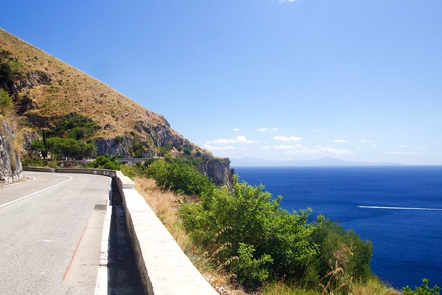 Droga nad włoskim wybrzerzem