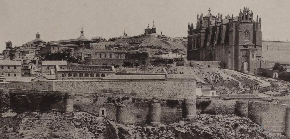 Vista de Toledo desde el oeste hacia 1897. Fotografía de Rafael Garzón (BNF)