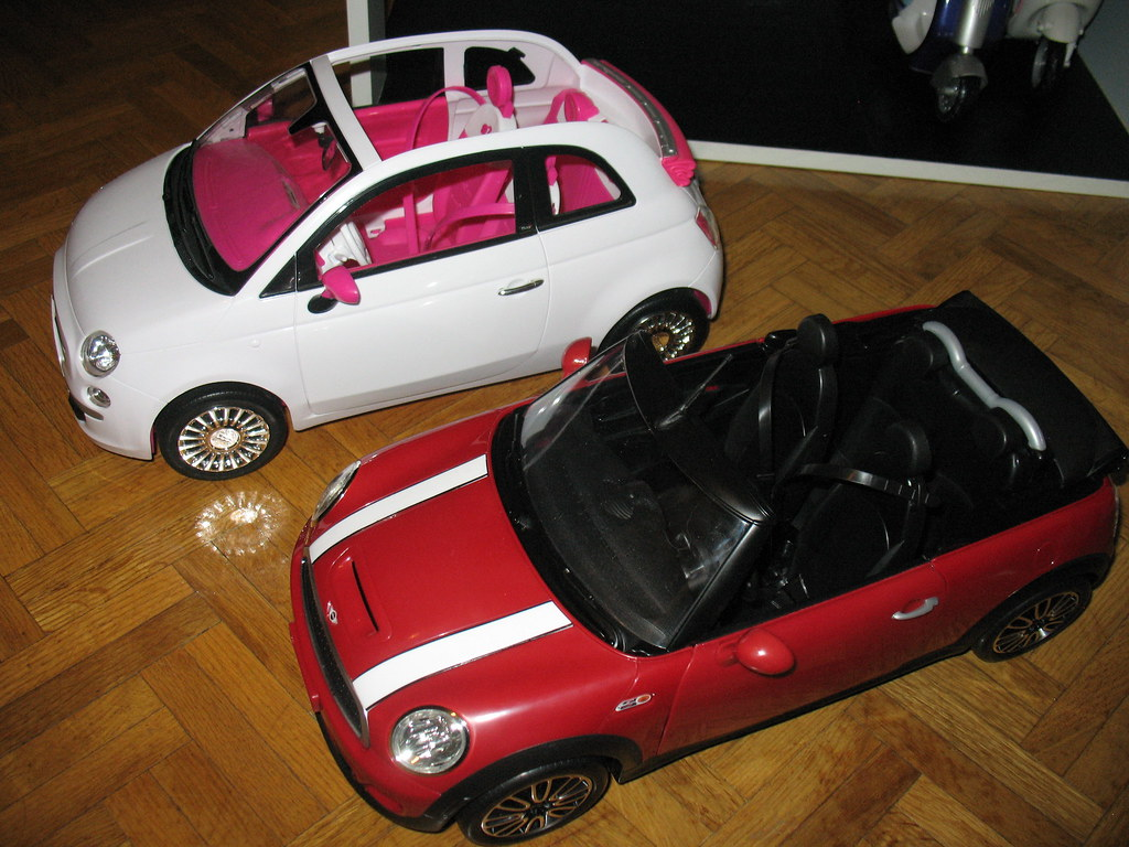 comparison ken 39 s mini cooper barbie 39 s fiat 500 egolon flickr. Black Bedroom Furniture Sets. Home Design Ideas