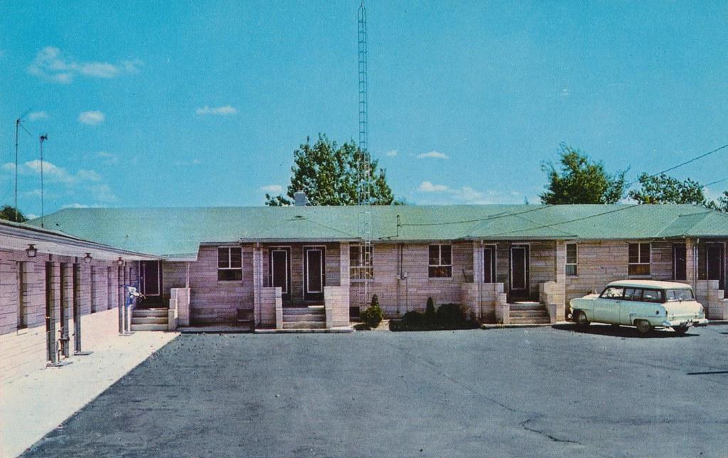 Gray's Motel - Muncie, Indiana