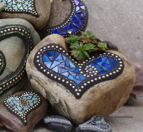 Mosaic Garden Stones: Made A Back For This Chunky Heart