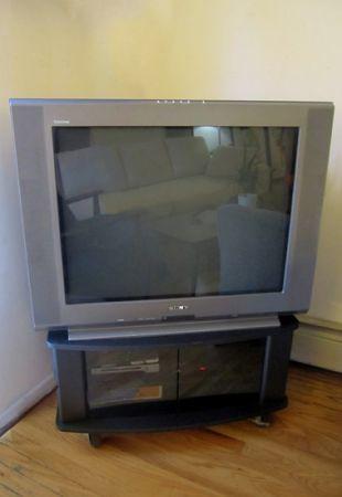 sony tv with stand. sony wega trinitron flat screen crt tv 32\ tv with stand