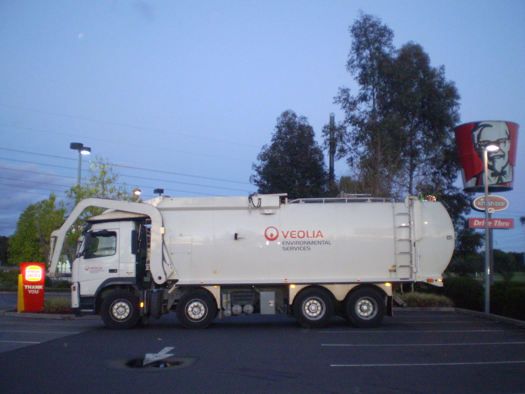 Veolia Volvo Front Loader | Here's one of Veolia's many fron… | Flickr