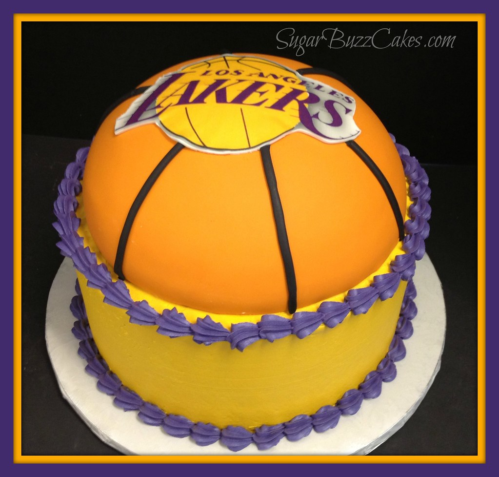 La Lakers Cake Fondant Basketball On A Buttercream Cake