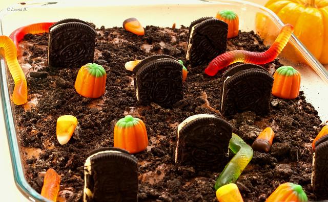 Graveyard Brownie | Flickr - Photo Sharing!