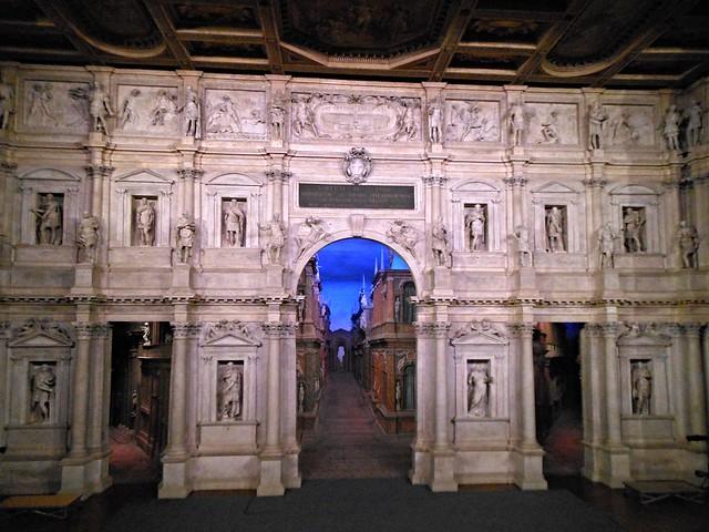Proscenio Teatro Olimpico, Vicenza