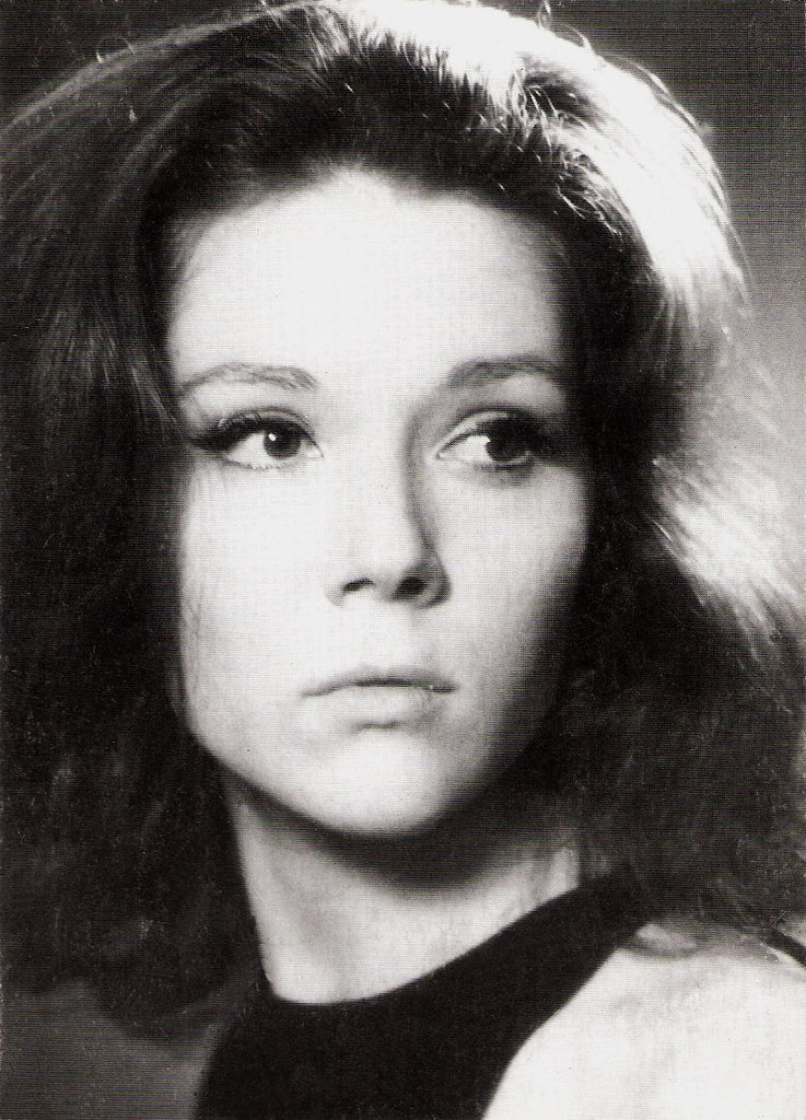 Did not Diana rigg as emma peel nude