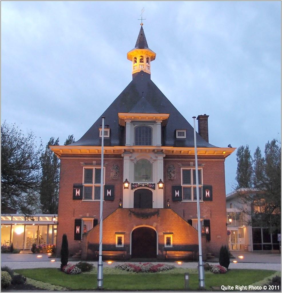 Gemeentehuis Haarlemmerliede en Spaarnwoude | Aanzicht ...