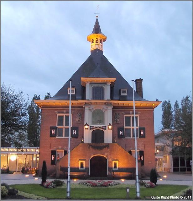 Gemeentehuis Haarlemmerliede en Spaarnwoude   Flickr ...