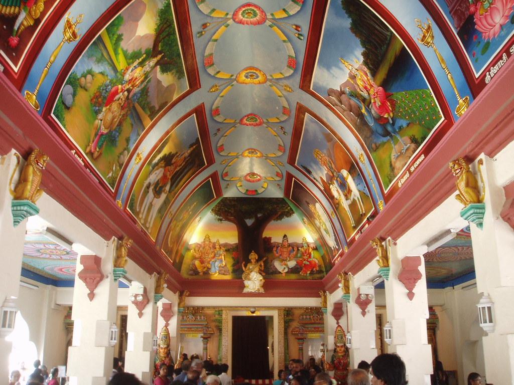 Interior, Sri Mariamman Temple, Singapore | The Sri ...