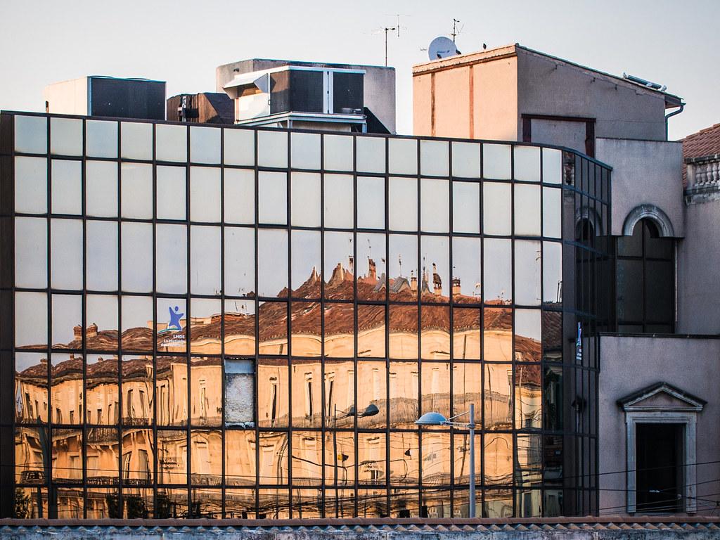 Il manque une case mon miroir outdoors of perception for Miroir 9 cases
