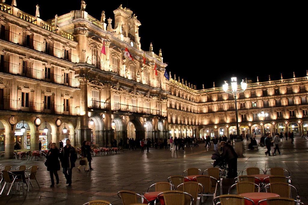 Salamanca, Plaza Mayor  vestida para pasar la noche  Flickr