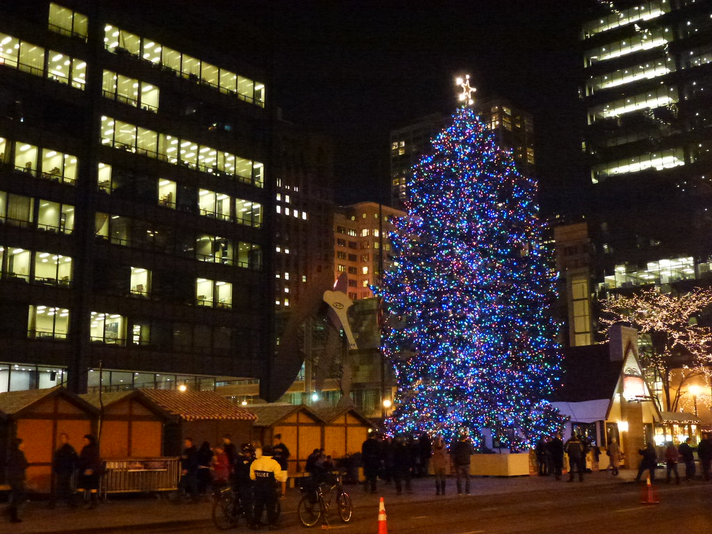 Daley Center Christmas Tree airway tra