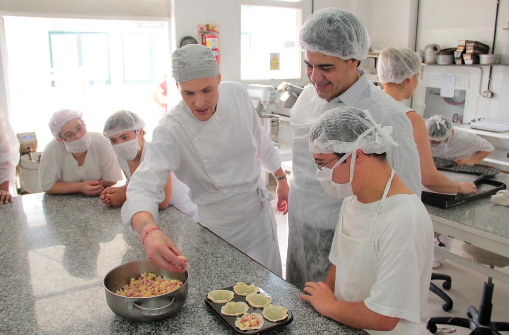 Visita esc formaci n profesional taller cocina 17 24 for Formacion profesional cocina