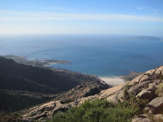 Vista de O Pindo desde el monte Pindo