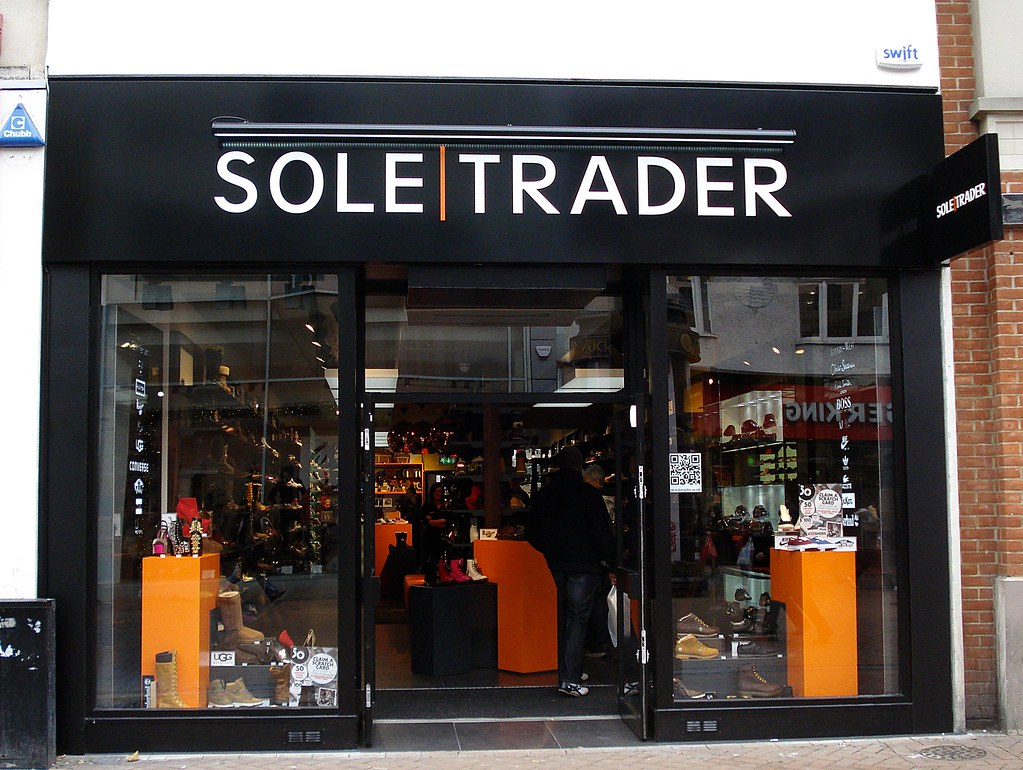 Trainers, shoes, boots and sandals at Soletrader-eu