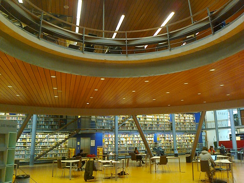 Photo0171_TU Delft Library, mezzanine | by e_m_h