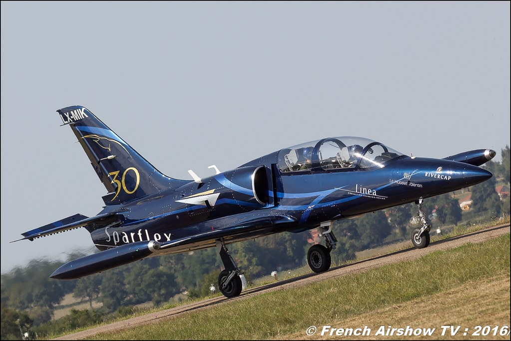 Patrouille Sparflex L39 Albatross , LX-MIK , LX-STN , Fly & Fun , 22 ème meeting aérien international de Roanne , Meeting Aerien Roanne 2016, Meeting Aerien Roanne , ICAR Manifestations , meeting aerien roanne 2016 , Meeting Aerien 2016 , Canon Reflex , EOS System