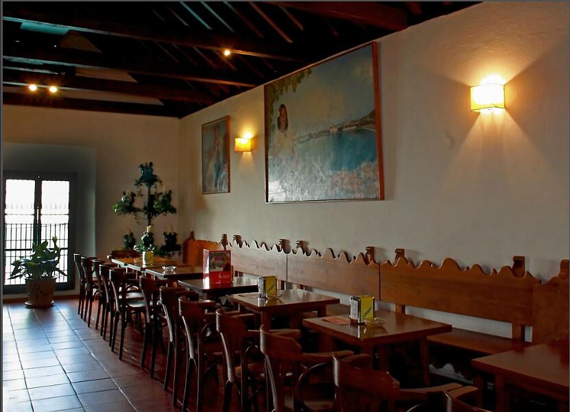 Bodega Bar El Pimpi Malaga Gastronomia Malaga Restaurant Flickr
