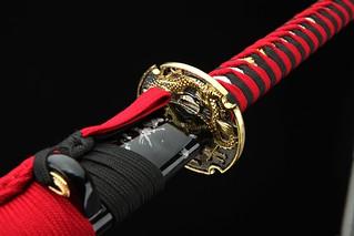 handmade-platinum-quality-japanese-samurai-sword-katana-red-handle-gold-dragon-tsuba