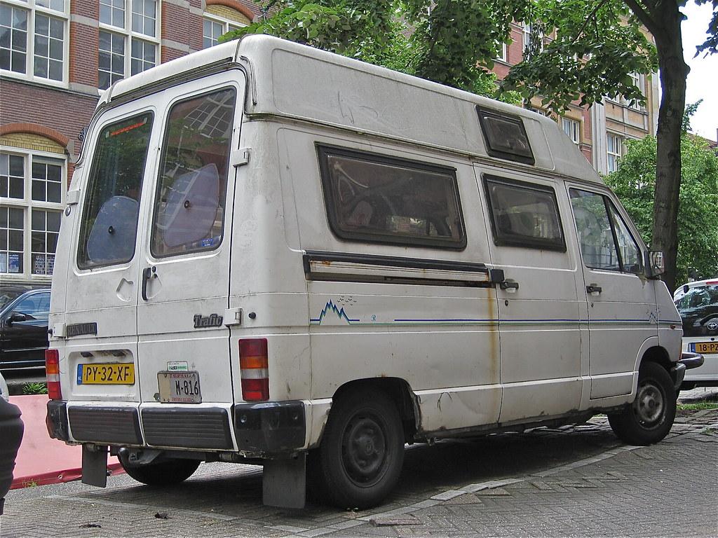 1986 renault trafic mk1 camper van successor of the old. Black Bedroom Furniture Sets. Home Design Ideas