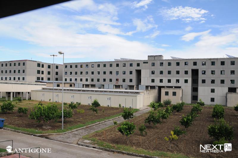 carcere di secondigliano immagini del carcere di