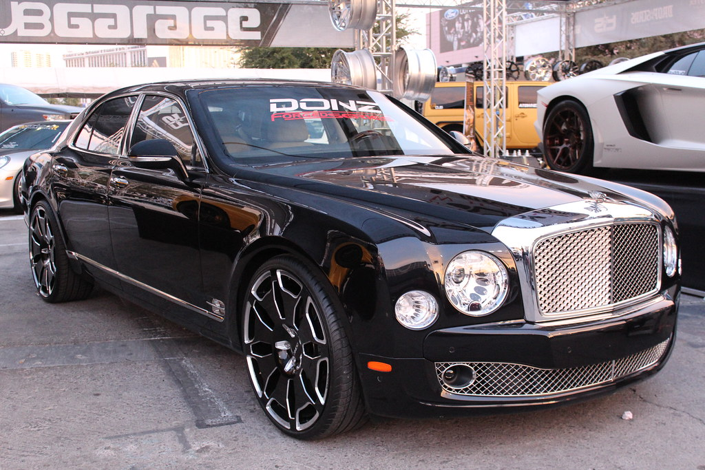Bentley Mulsanne Big Rims Black Donz 2012 Sema Autoshow