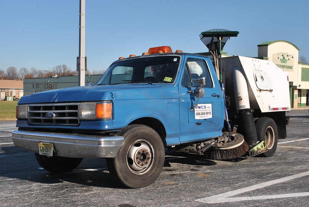 Ford Street Sweeper | 1987-91 F-150 street sweeper. Spotted … | Flickr