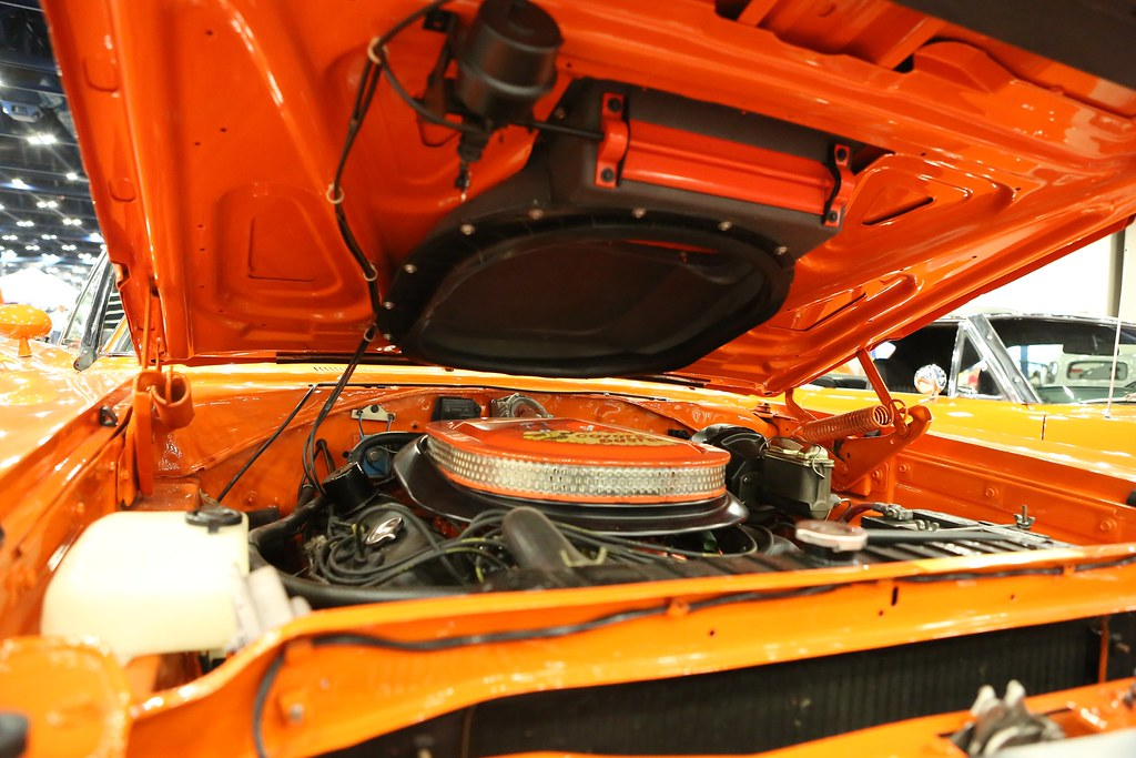 Air Grabber Under Hood On 1970 Hemi Roadrunner Bill