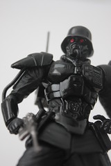 [Revoltech] #061 Kerberos Panzer Cop with Protect Gear ( プロテクトギア・紅い眼鏡版 )