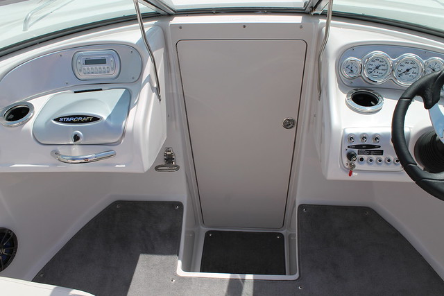 Starcraft 2321 cuddy i o cabin door flickr photo sharing for Boat cabin entry doors