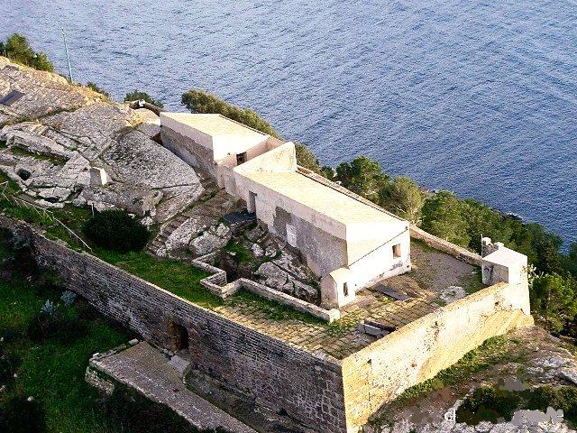 Rocca della Falconiera Ustica | Carmela Dragna | Flickr