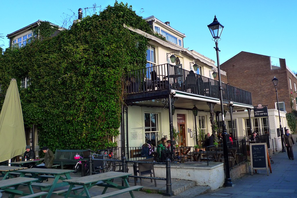 Old Ship Hammersmith W6 River Facing Pub On Several
