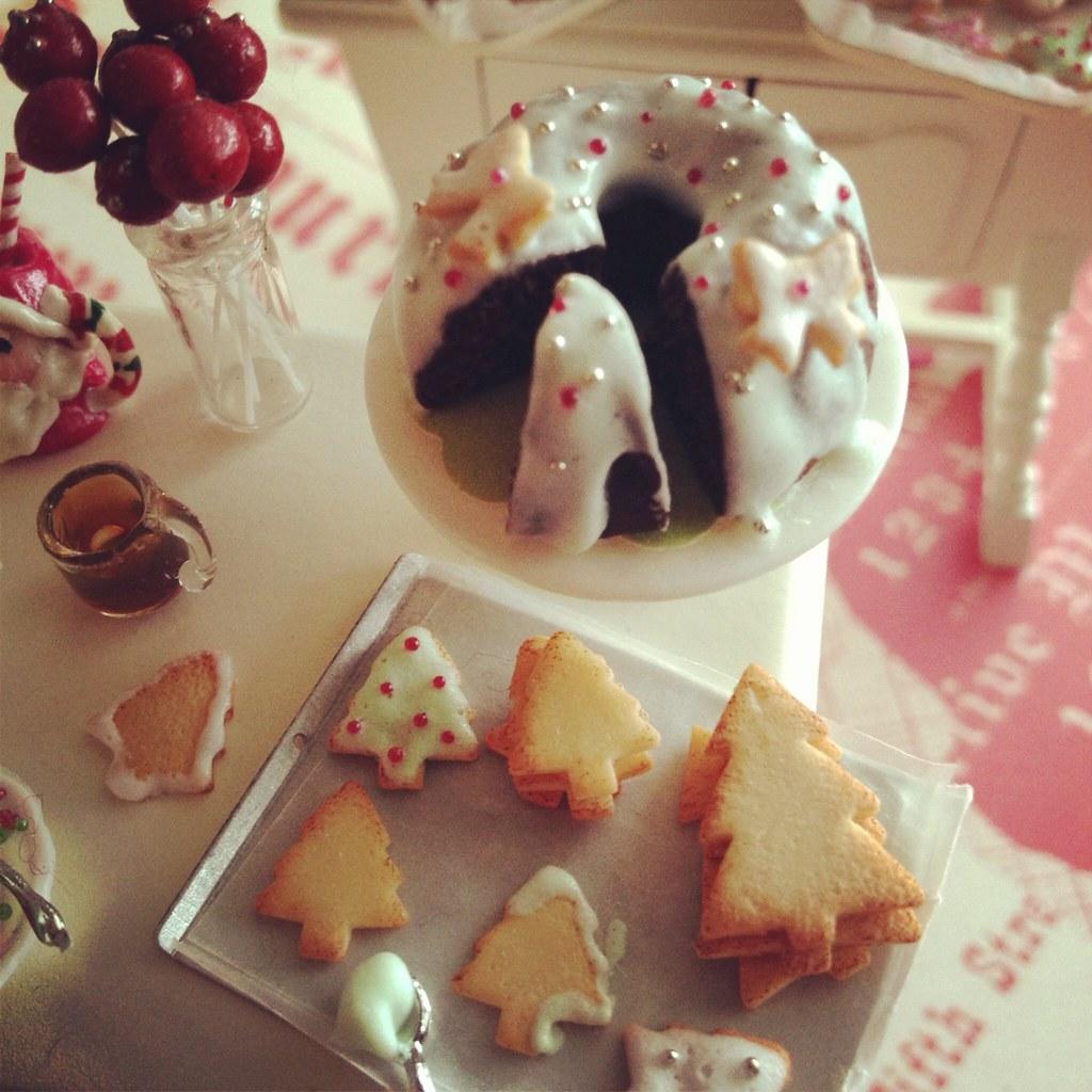 Christmas bundt cake 1:12 Kim Saulter Flickr