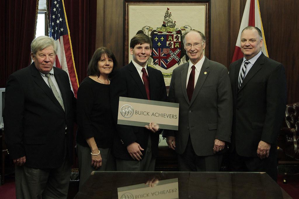 2012 Buick Achievers Scholarship Recipients Gov Robert