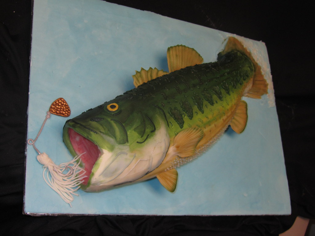 Bass fish cake by classic cakes sarah miller for Fish shaped cake