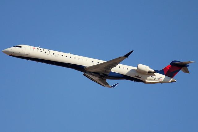 Skywest Bombardier Crj 700 Flickr Photo Sharing