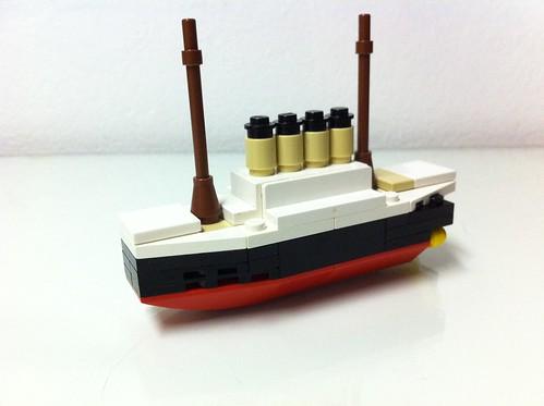 how to build a mini lego titanic