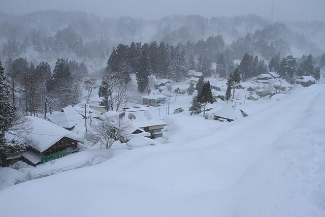 十日町市小白倉地区。十日町は日本有数の豪雪地帯である