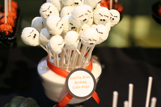Mummy Cake Pops | by Sweet Lauren Cakes