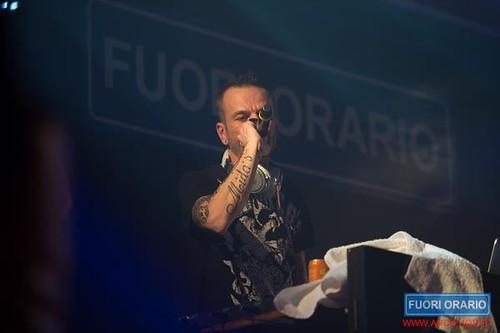 15/12/2012 Club Dogo al Fuori Orario