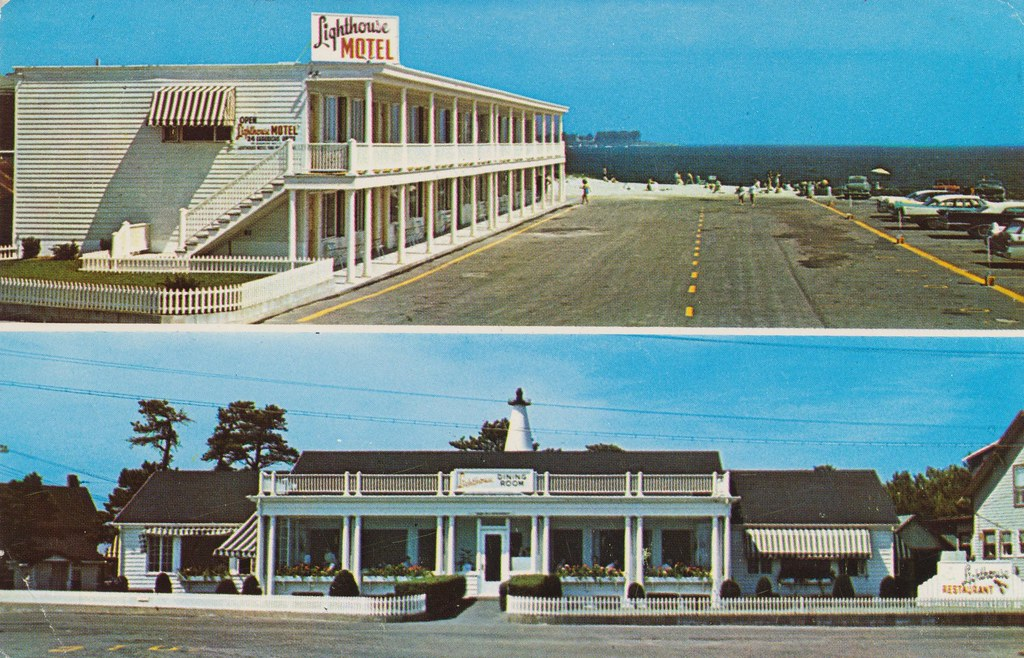 Lighthouse Motel and Restaurant - Pine Point Beach, Maine