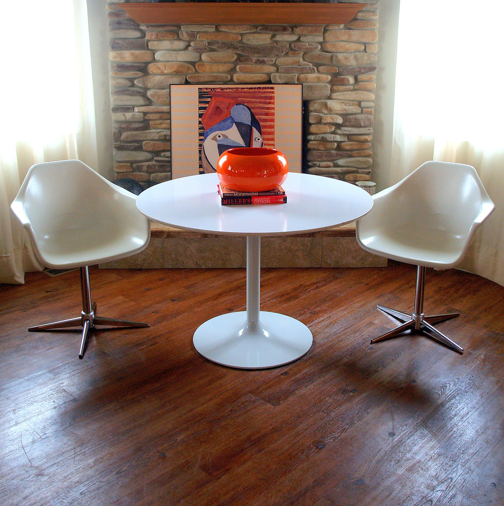 VINTAGE MID CENTURY Tulip Table In The Manor Of Eero Saari Flickr - Original saarinen tulip table