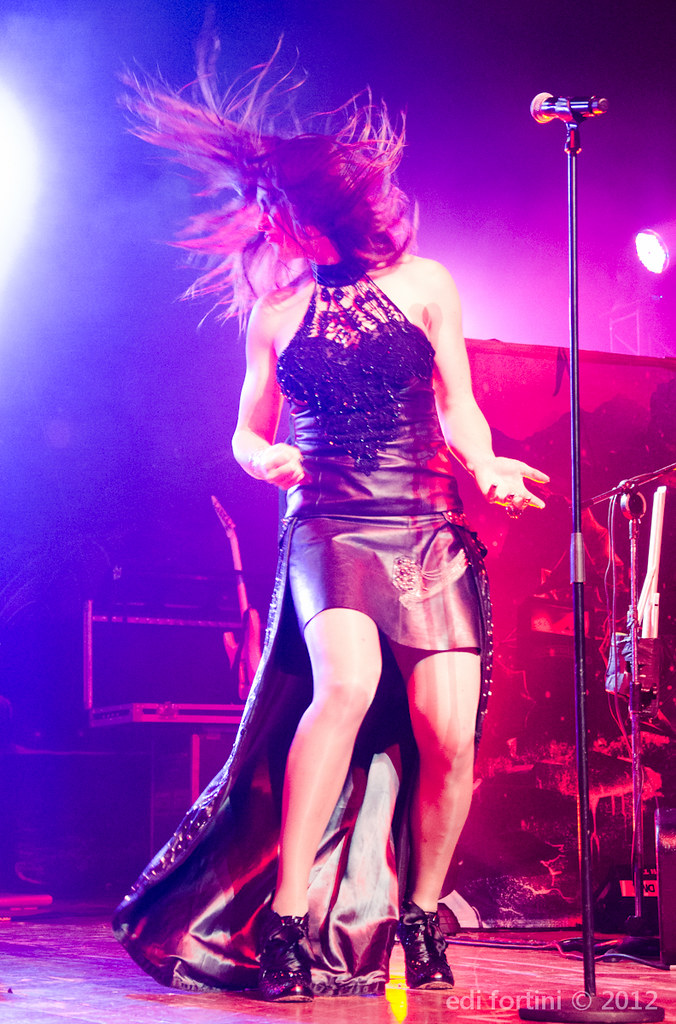 Nightwish with floor jansen credicard hall nightwish for Floor nightwish