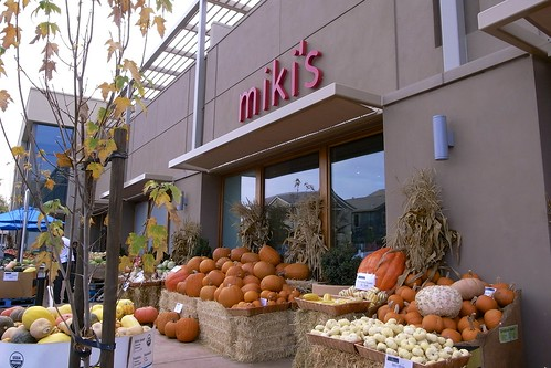 Miki's Farm Fresh Market | by amorimur