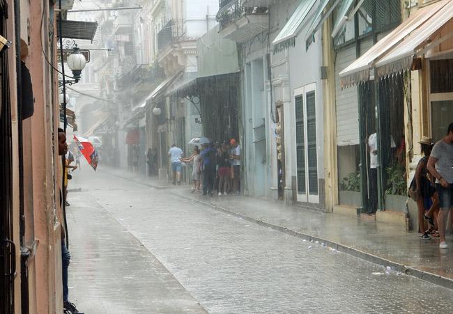 rain-storm-habana-vieja