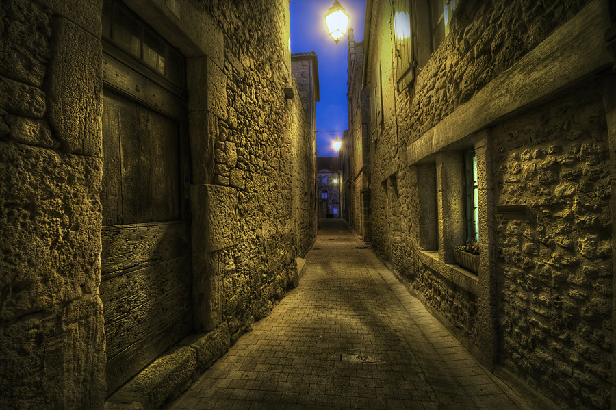 A Narrow Street By Jimmy Mcintyre Editor Hdr One Magazine
