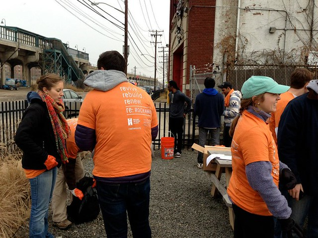 New York Colby Club helps Rockaway Waterfront Alliance with Hurricane Sandy Clean-up Efforts